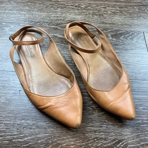 Madewell | Margot Pointy Toe Flat Ankle Strap Tan